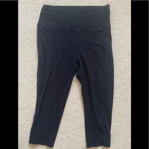💰 4/$25 Maternity capri leggings